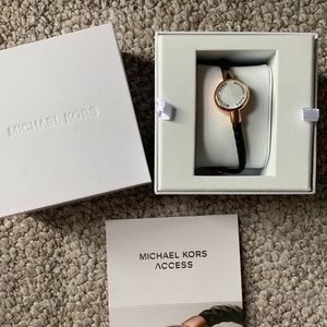 Michael Kors Activity trqcker